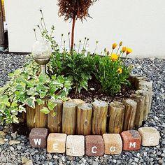 女性で、4LDKのガーデニング/アイビー/レンガブロック/レンガ/花壇/手作り…などについてのインテリア実例を紹介。「トピアリー枯れてしまった。」(この写真は 2016-05-12 18:24:35 に共有されました)