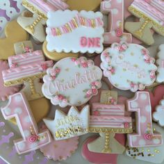 This listing is for 1 dozen (12) Pink and Gold Cookies. **For a different quantity please send me a message and I will create a custom