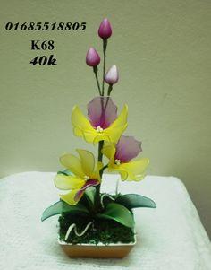 hoa voan - Google'da Ara Nylon Flowers, Diy Flowers, Nylon Crafts, Diy Hair Accessories, Flower Tutorial, Diy Hairstyles, Flower Arrangements, Diy And Crafts, Projects To Try