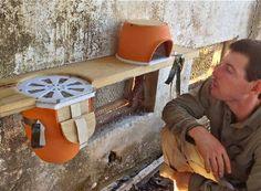 Israelischer Designer entwirft Bienenwohnung aus Terrakotta – haGalil