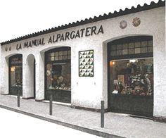La Manual Alpagatera atelier de souliers fait main, espadrilles de toutes les tailles et coloris
