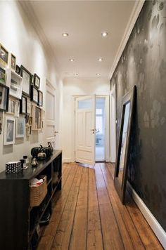 Love the way this hallway is decorated