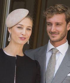 Pierre e Beatrice Casiraghi, debutto al balcone come marito e moglie
