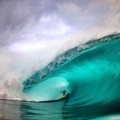 2014 was massive! Can't wait for an even bigger 2015 of friends, family, health and taking photos. Happy New Years to all. Pictured here is @matahidrollet on massive one at Teahupoo from this past summer. Shot this while swimming on the inside of the boats as no boats had room to shoot from for me, used a 50mm lens F1.2, Canon1DX all in a @spl_waterhousing . #ZakNoyle #Padgram