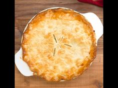 It doesn& get much more classic than a really good Chicken Pot Pie like Mom and Grandma used to make. This ultimate in comfort food is pretty simple, too! Whole Baked Chicken, Best Chicken Pot Pie, Stuffed Whole Chicken, Chicken Recipes, Chicken Ideas, Tiphero Recipes, Recipies, Chicken Supreme, Chicken Gumbo