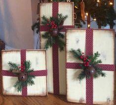 Christmas Wood Crafts, Decoration Christmas, Christmas Porch, Farmhouse Christmas Decor, Noel Christmas, Christmas Signs, Outdoor Christmas, Rustic Christmas, Xmas Decorations