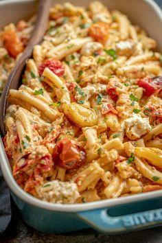 Roasted Grape Tomatoes, Roasted Tomato Pasta, Tomato Pasta Recipe, Cherry Tomato Pasta, Tomato Soup Recipes, Pasta With Grape Tomatoes, Feta Cheese Recipes, How To Roast Tomatoes, Chicken Tomato Pasta