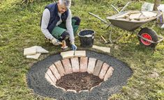 Eine Feuerstelle selber bauen: So geht's You are in the right place about Gardening Supplies products Here we offer you the most beautiful pictures about the Gardening Supplies organization you are lo