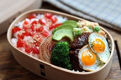 Loco-Moco lunch (laugh!) - I'm gonna use red-beet burger instead.
