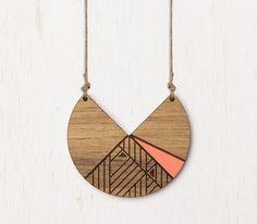 Découpe laser lunaire Peach collier bois Tribal géométrique
