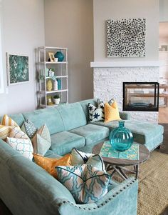 House of Turquoise: Four Chairs Furniture Cadence Homes - Day Love sectional for family room Living Room Turquoise, Design Living Room, House Of Turquoise, Coastal Living Rooms, Living Room Grey, Home And Living, Turquoise Accents, Turquoise Couch, Modern Living