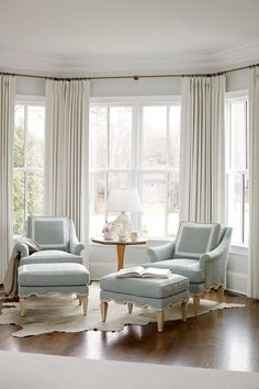 Examples Of Home Decoration Living Room 90 Models Bay Window Design Ideas Living Room To Inspire Your nbsp hellip Bay Window Decor, Bay Window Design, Bay Window Living Room, Bedroom Windows, Home Living Room, Living Room Designs, Living Room Decor, Window Seats, Bay Window Seating