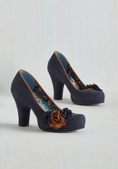 Florist Attraction Heel. Bloom enthusiasts from far and wide will gather to witness these navy heels in action! #blue #modcloth