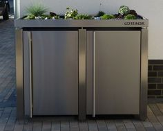 Stainless steel garbage bin box with plant roof - Modern Garbage Storage, Storage Bins, Storage Spaces, Bin Store, Diy Kitchen Storage, Garbage Can, Garbage Truck, Tool Sheds, Outdoor Sheds