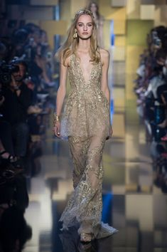 Elie Saab V Neck - Couture Fall 2015 #runway #sheer