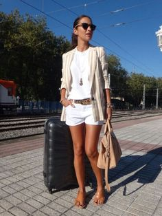 Need a leopard belt Stylish Summer Outfits, Spring Outfits, Casual Outfits, Cute Outfits, Fashion Outfits, Womens Fashion, White Blazer Outfits, Look Chic, Short Outfits