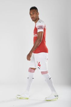Aubameyang Arsenal, Arsenal Players, Arsenal Football, Pierre Emerick, Football Pictures, Cool Photos, Sporty, Club, Style