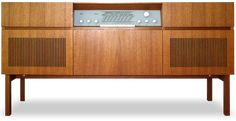 Braun Musikschrank R-23