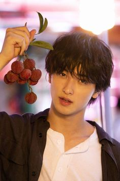 Cute Japanese Guys, Japanese Boy, Poses, Pose Reference Photo, Japan Model, Asian Hair, Attractive People, Yokohama, Pretty Eyes