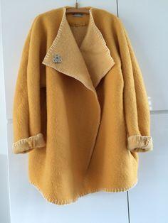 Handmade dekenjas blanketcoat made of a yellow wool blanket,  size M L door MORETHANVINTAGENL op Etsy