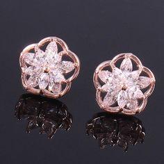 Pair of Elegant Rhinestone Flower Stud Earrings