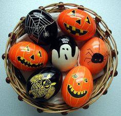 bipolar eggs ~ Halloween / Easter ^^5