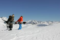 Snowboard, cross-country or alpine ski, in you can practice different winter sports. Alpine Skiing, Winter Sports, Winter Season, Cross Country, Snowboard, Mount Everest, Mountains, Nature, Travel