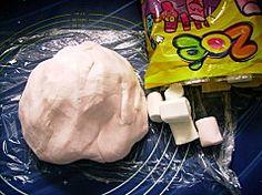 RECETTE PATE A SUCRE AMERICAINE AU CHAMALLOW MARSHMALLOW GUIMAUVE - C'est maman qui l'a fait - Gâteaux 3D en pâte à sucre - Cake pops