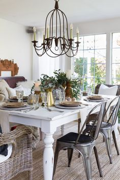 A natural themed Thanksgiving table and part of the Holiday Entertaining Blog Tours. Farmhouse, Cottage style
