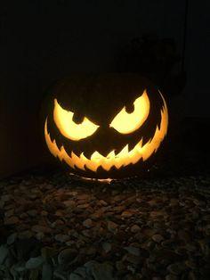 Einen super Halloweenkürbis selbst schnitzen is garkein Problem....