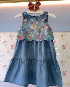 Dresses For Kids – Lady Dress Designs Girls Denim Dress, Girls Casual Dresses, Dresses Kids Girl, Stylish Dresses, Baby Dresses, Little Girl Dress Patterns, Baby Girl Dress Patterns, Toddler Dress, Toddler Outfits