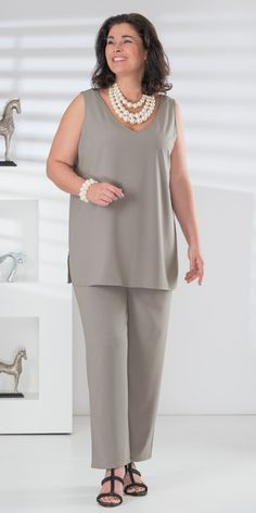 Box 2 silver crepe vest and trouser