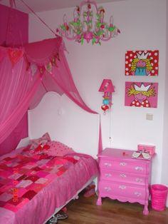 Brocante roze bed met gras beschilderd ( Happykidsart)  Brocante ...