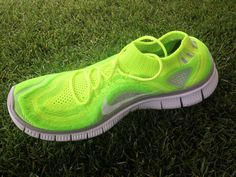 NIKE free flyknit running shoes <3