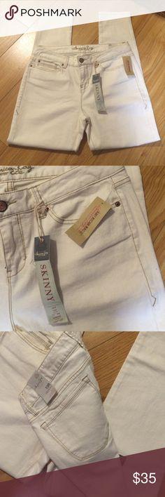 Cream skinnies!! Skinny with stretch! Cream color make it very versatile!! American Rag Pants Skinny