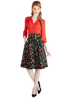 Flair for the Fantastic Skirt in Poppy. Looking for a skirt that adds panache to your day? #black #modcloth