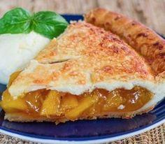 Пирог персиковый с вареньем