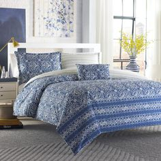 City Scene Arianna Comforter Set with Bonus Decorative Pillow - Overstock Shopping - Great Deals on City Scene Bed-in-a-Bag