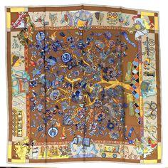 f12c659d1a79  Hermès  Carré  FantaisiesIndiennes  Silk  Occasion  SecondHand Carré Hermes,  Autres