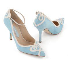 En blanco y azul, con un toque vintage. #zapatos #novia