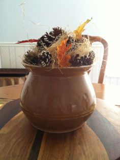 Fall pot with acorns