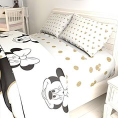46 Awesome Disney Bedroom Design Ideas For Your Children. It's possible to create a wonderful character themed room for your little girl's that includes a range of Disney Princess Bedrooms product. Minnie Mouse Bedding, Mickey Mouse Room, Disney Bedding, Princess Theme Bedroom, Disney Themed Bedrooms, Bedroom Themes, Bedroom Ideas, Design Bedroom, Baby Bedroom