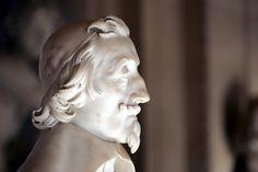 Richelieu (1640–1641) Le Bernin ML sculpteur, qui ne connaissait pas son modèle, se fit envoyer de Paris des portraits, sans doute X3portrait du cardinal par Philippe de Champaigne (Londres, NG). Cette peinture a ensuite servi à Francesco Mocchi (1580-1654), pour réaliser une statue du Cardinal pr château de La Meilleraye, en Poitou (vestiges au musée de Niort). Bernin avait déjà procédé en 1636 pour buste de Charles Ier d'Angleterre, en se servant du X3portrait du roi par Van Dyck.