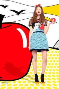 News flash! El product placement está de moda... ¿Llegó para quedarse? La colección de Red Valentino Fall 2014