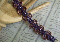Bracelet micro macramé perlé de pourpre et par SeaGlassJewelryEtsy