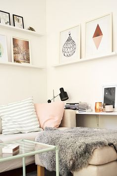 Picture shelves. Love the pictures on the shelf. Could do some cool doodles on card stock. s.
