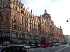 Harrods-The biggest shopping mall I have ever been in!! (London)
