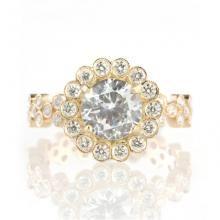 Round diamonds from De Beers