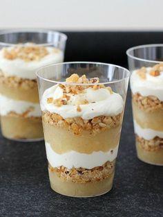 Æblekage (Recipe in Danish) Danish Dessert, Danish Food, Apple Recipes, Cake Recipes, Dessert Recipes, Dessert Nouvel An, New Year's Desserts, Cooking Cookies, Food Cakes
