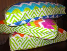 Deluxe dog beds.  Removable covers with zipper.  Machine washable covers & pillows.